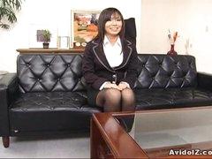Hawt secretary Satomi Maeno sucks an unattractive dick!