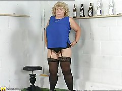 This mature blonde lady is bored and and she is in the mood for some sexy-time. She ask herself 'why not playing with my pussy? After all, my fingers gave me the biggest orgasms'. That's why you'll see her fingering like a pro, after all, she has years of experience. Don't miss her nice big breasts either!